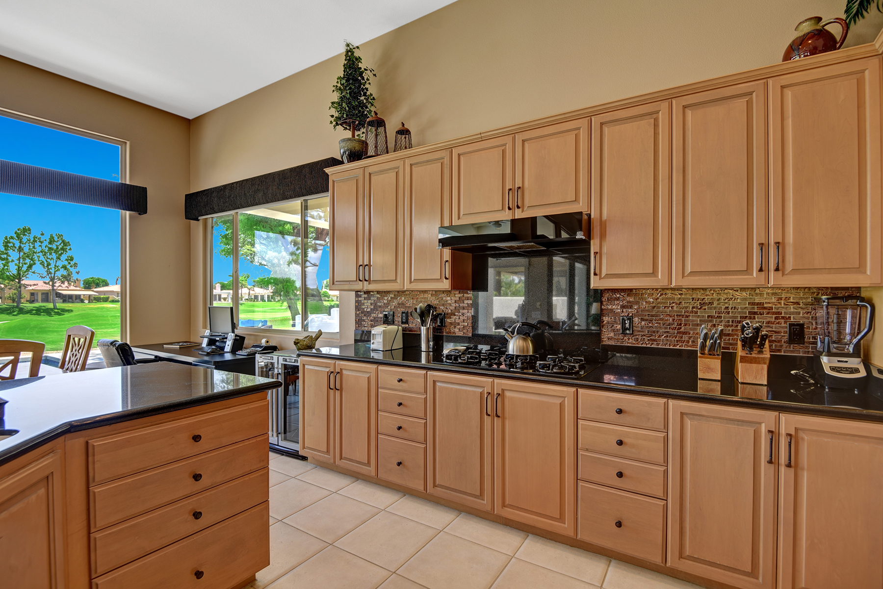 A87DD5D9-E0BE-B3C8-85E2A7BA1B91A435-KITCHEN RS.jpg