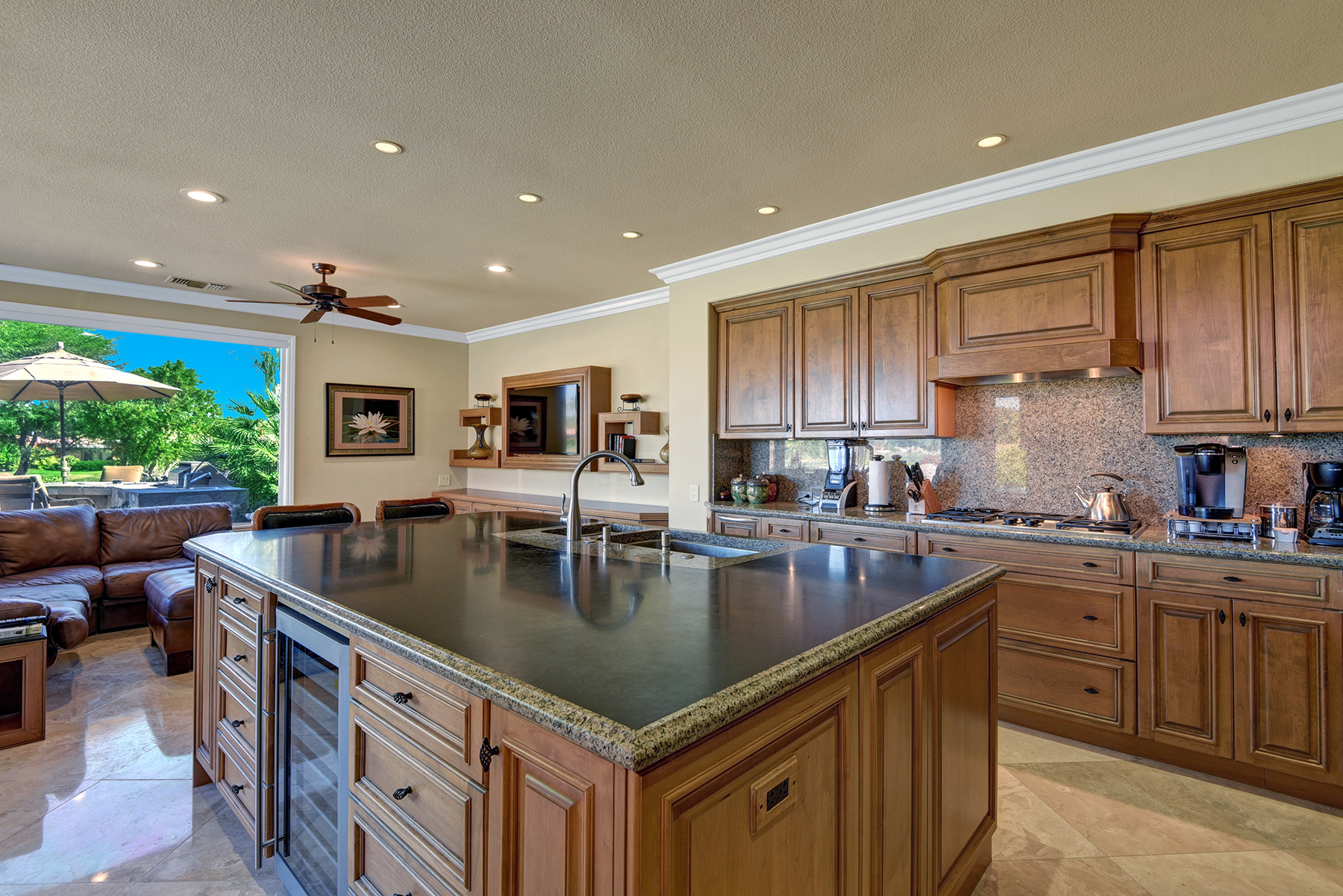 FBA0DCA1-0144-3AD7-4FDDFE9B447E7D04-KITCHEN OVER ISLAND RS.jpg