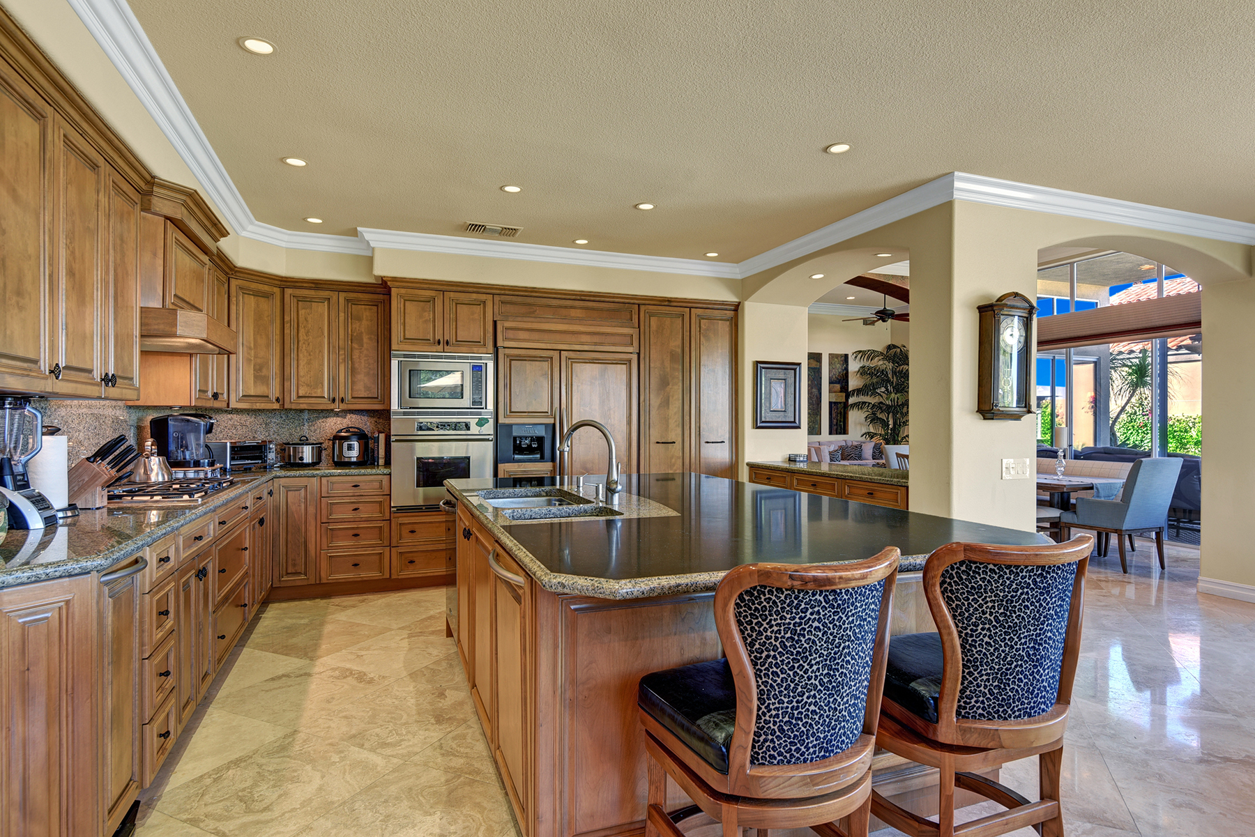 FBA75257-A544-D578-00F6C1EB6B0151A6-KITCHEN THROUGH RS.jpg