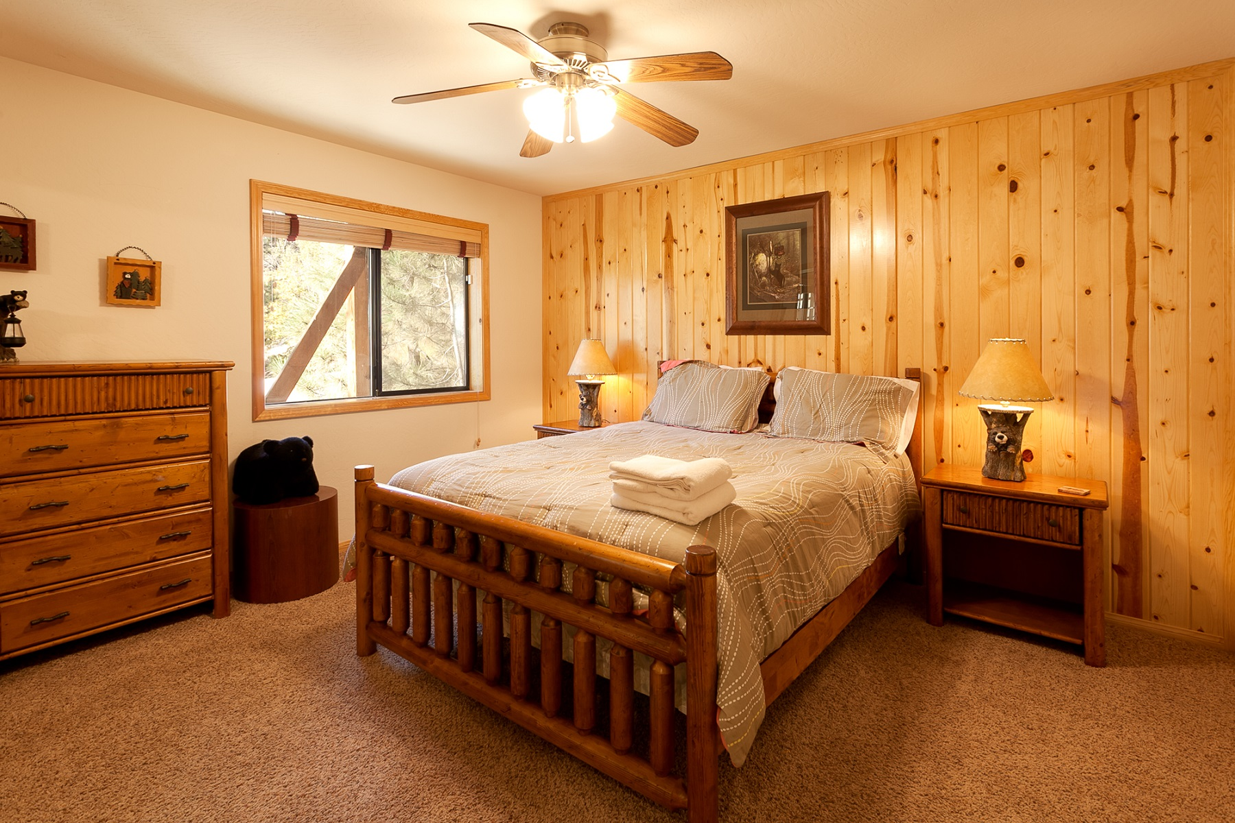 1BF653A9-155D-0010-07BC5805FB1F03DB-743 Butte-21-Guest Bedroom- resize 1.jpg