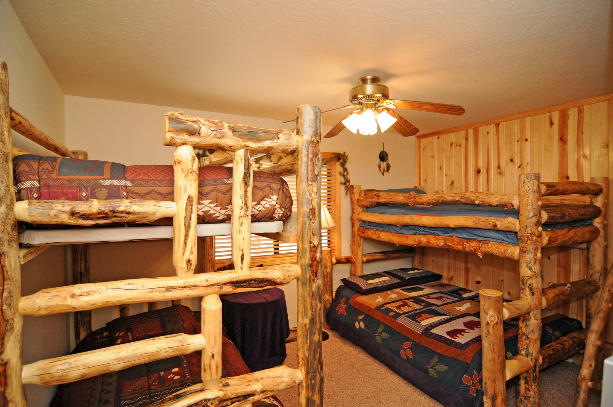1C0332F6-155D-0010-07D69E8393EE9E6A-743 Butte-22-Bunk Beds Bedroom- resize 1.jpg